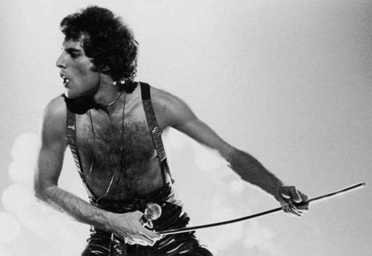 «Я не буду рок-звездой. Я буду легендой.» —Фредди Меркьюри.