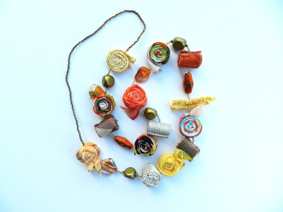 Boho chic necklace Fabric jewelry Fabric por PriFabricsAndBeads