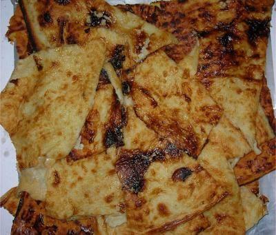 Farinata savonese, si prepara come la farinata di ceci ma utilizzando la farina di grano tenero http://turismo.provincia.savona.it/it/ricette/farinata-savonese