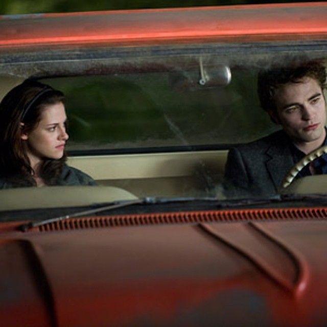 Pin By April Starofsky On My Twilight Saga Obsession Twilight Saga Twilight Saga New Moon Twilight Movie