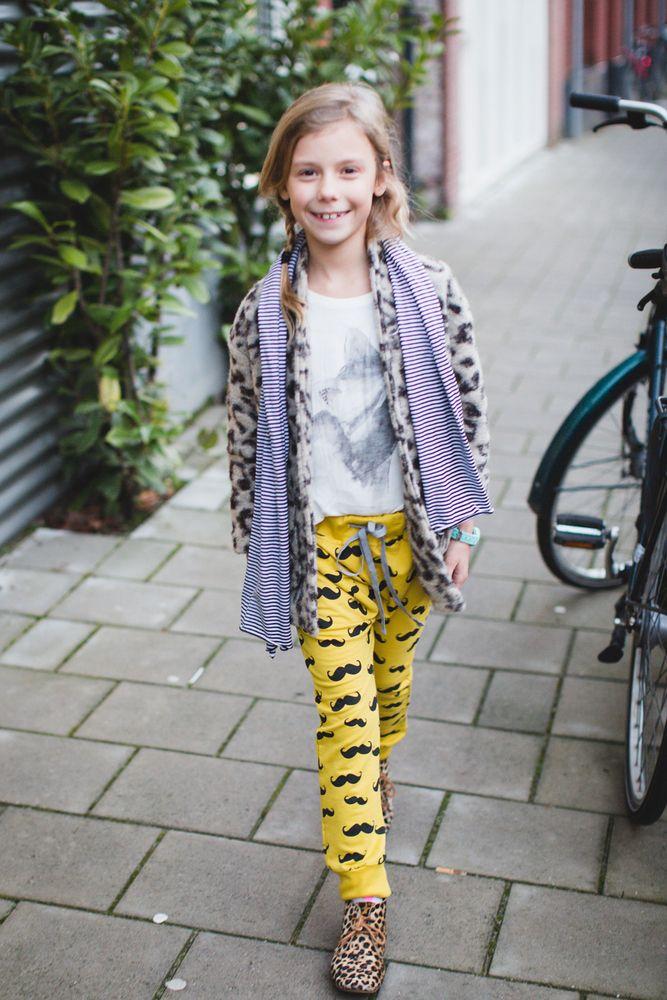 In deze blog draagt de mooie Fe een musthave luipaard jas gecombineerd met wit shirt en te gekke funky legs broek. Shop de jas via de blog in de link!