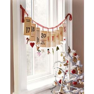 Country living ChristmasChristmas Cards, Cards Display, Decor Ideas, Advent Calendar, Adventcalendar, Christmas Decor, Christmas Trees, Christmas Ideas, Holiday Decor