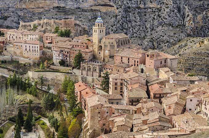 Albarracín, Aragón. Los 17 pueblos más bonitos de España | Skyscanner