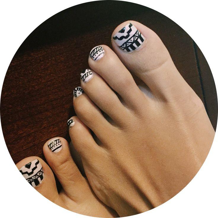 pink tribal toe nail art