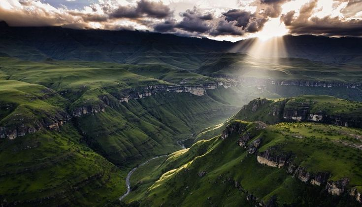 Our (7) natural wonders in Southern Africa.... The Drakensberg Mountains – South Africa : We have ticked on our bucket list the Drakensberg Mountain also known as Dragon Mountain by Afrikaans as one of Southern Africa's natural wonders. These gigantic mountains are a challenge for the adventure amateurs and a paradise for wildlife lovers. via blog.xoafrica.com/