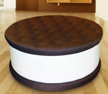An ice cream cookie to sit on? How great would this be in a bakery or ice cream shop? So fun!