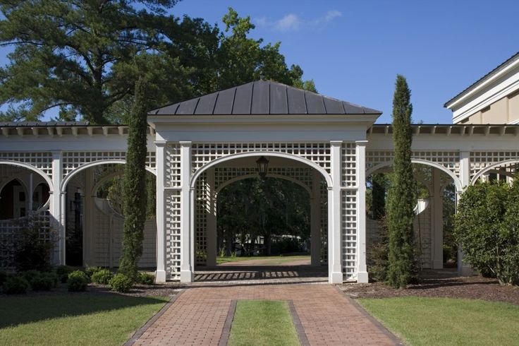 93 best gates garages and driveways images on pinterest for Historical concepts architects
