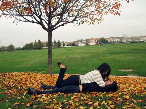fall couple photography pose ideas – Bing Images