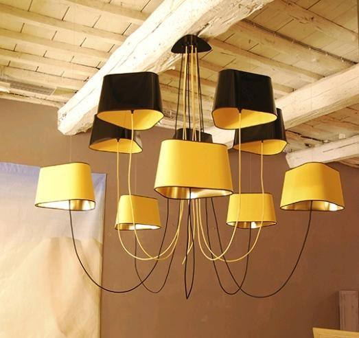 Дизайнерская люстра GRAND NUAGE французского бренда DESIGN HEURE. Цвет черно-желтый. Идеальна в помещениях с высокими потолками. В единственном экземпляре на www.nicecatch.ru!
