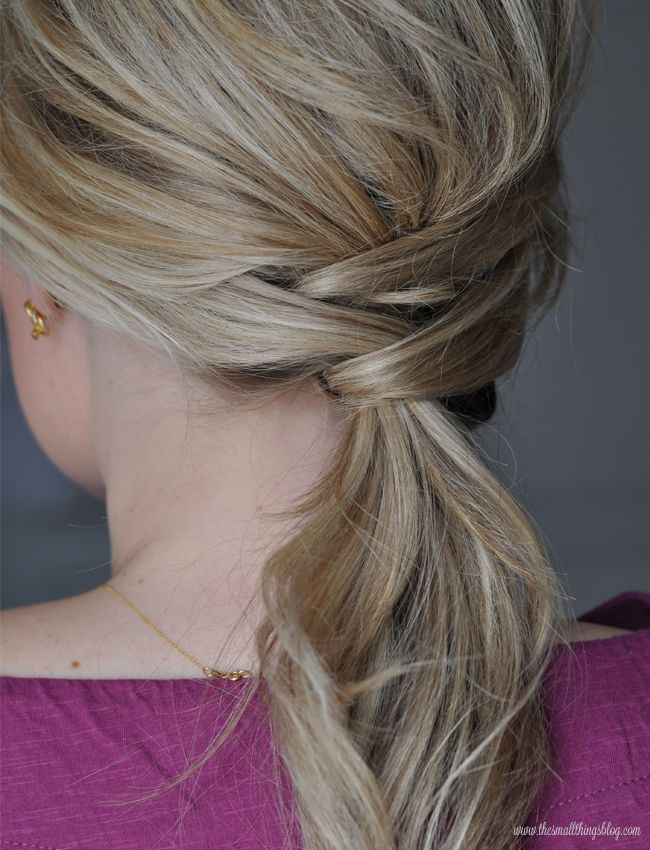 An easy but polished ponytail from the Small Things Blog; click through for the tutorial. This girl rocks, she makes it so easy, I follow her on youtube!