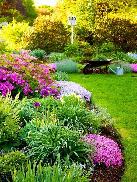 How to create a flower garden border with charming curves and plenty of color.