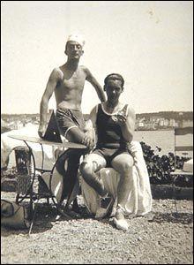 Salvador Dalí and Federico García Lorca in Cadaqués, summer 1927.
