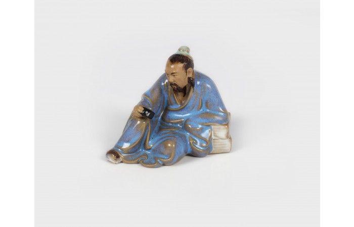 LOT 55  ANDREI DINU & ALEXANDRA PIRICI Tourist Porcelain 8 × 9 × 5 cm (3.1 × 3.5 × 2 inch) Estimate €200 - €250  #lavacow #contemporary #art #alexandrapirici