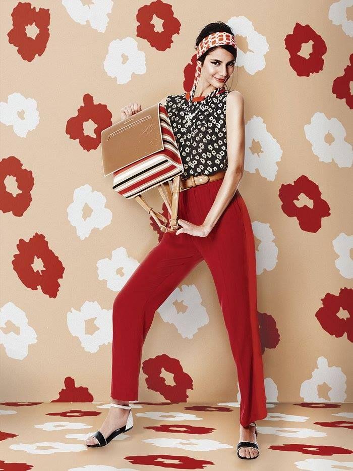 Ένα ρετρό look Εμπνευσμένο από fashion icons περασμένων δεκαετιών, το #retro #look της #DOCA θα σας ταξιδέψει σε μια άλλη εποχή. Μπορείτε να το πετύχετε εύκολα χρησιμοποιώντας ένα #φουλάρι με έντονο τύπωμα ως κορδέλα για τα μαλλιά, prints και χρώματα από τα 60s ή τα 70s και ένα #σακίδιο πλάτης που να θυμίζει σχολικό.   http://www.doca.gr/