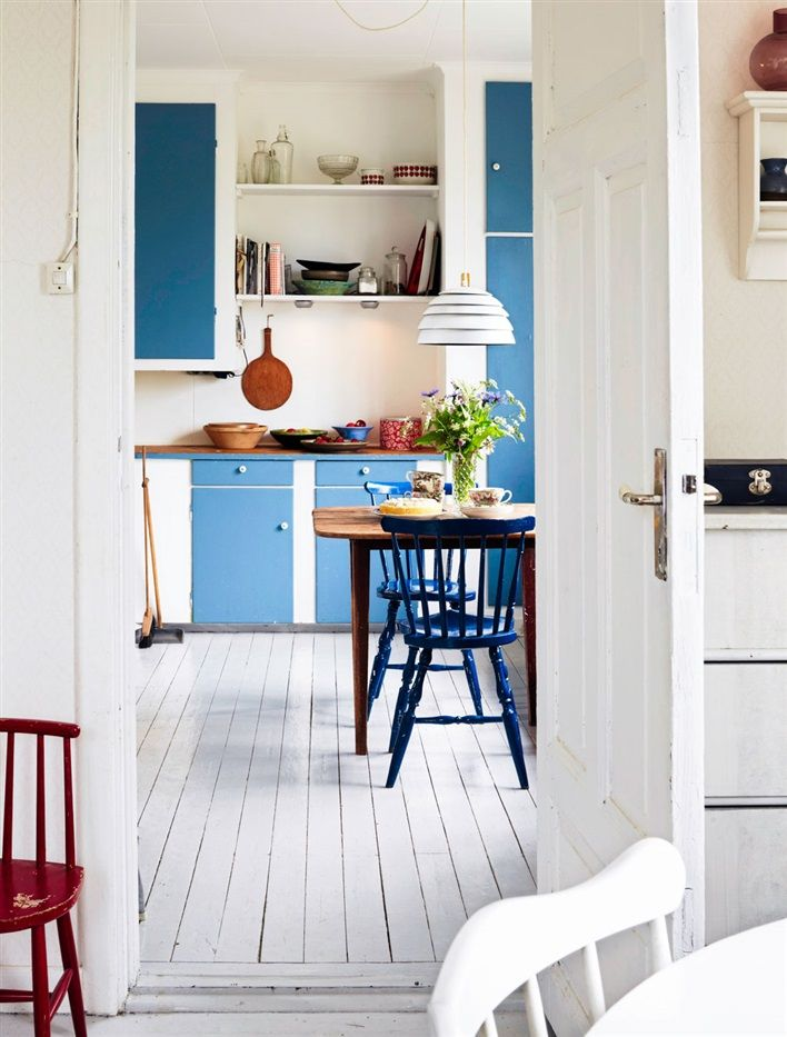 Kitchen - Swedish summer house - Via Hus & Hem