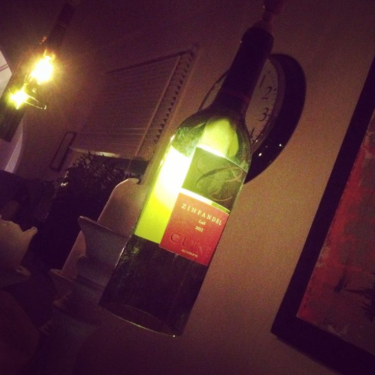 #remake#oldbottles#newlamps#återvunnet#hips vips glasflaskor blir till lampor:)