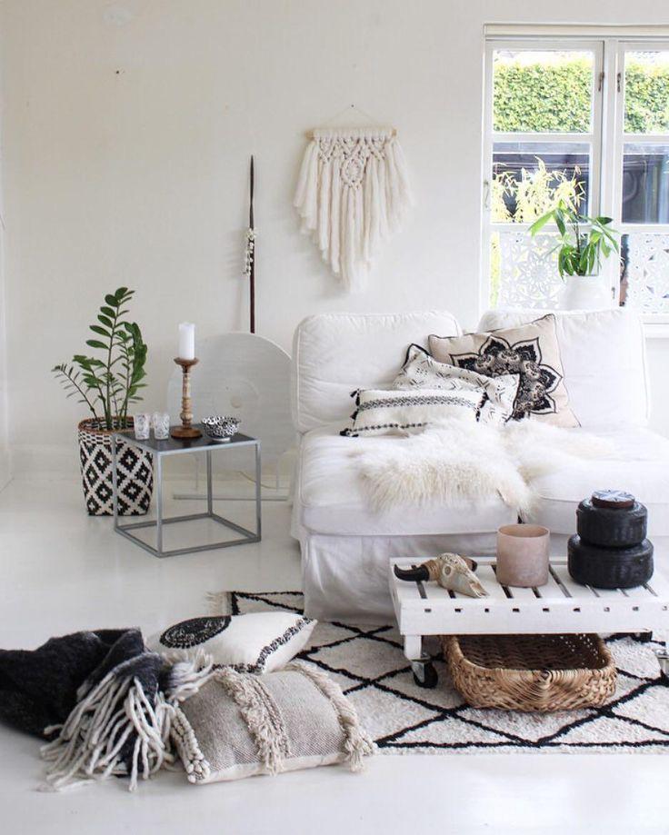 die besten 25 fellteppich ideen auf pinterest pelz dekor kleines sofa und pelzwurf. Black Bedroom Furniture Sets. Home Design Ideas