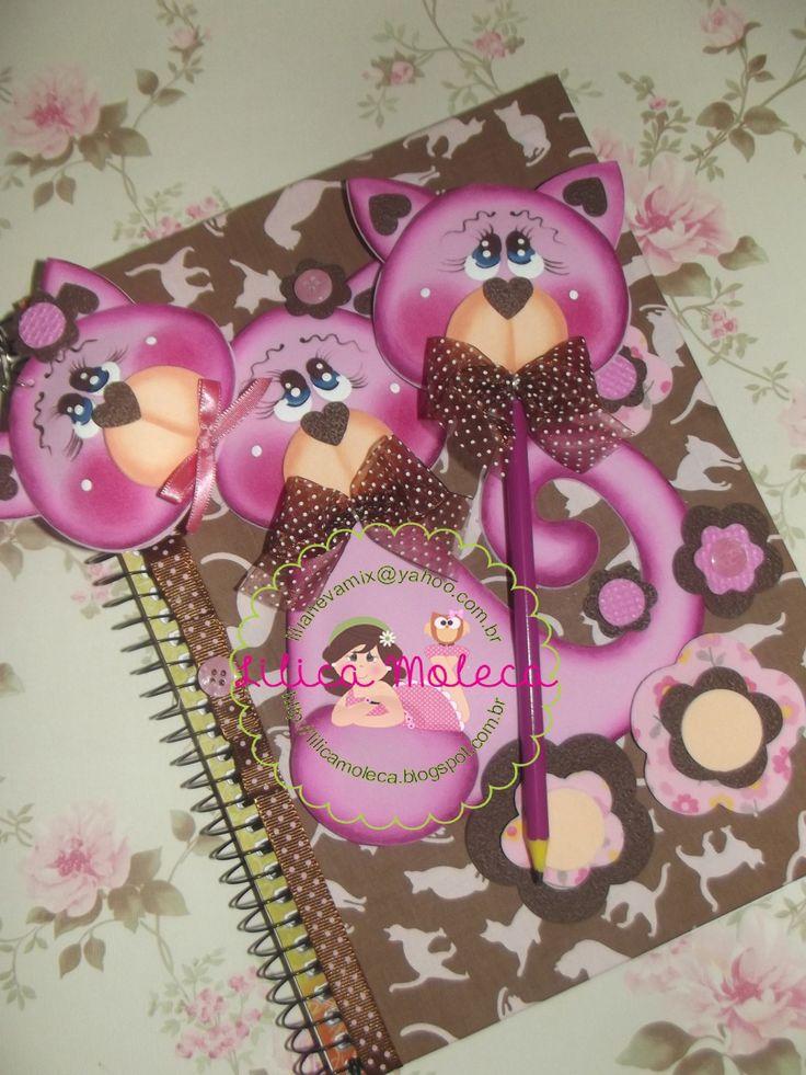 Moldes gratis Kit Cuaderno llavero y lapiz Gatito y Flores Precioso kit de cuaderno, llavero y lápiz en goma eva, gatitos y flores. Ideal para realizar age