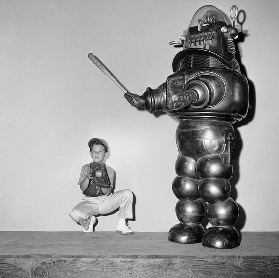 11/23/17 - Robby the Robot sells for record $5.38 million at auction