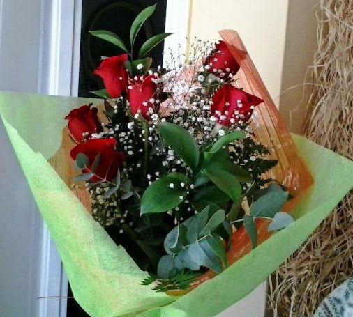 Ramo de media docena de rosas para cumplea os ramos de - Ramos para regalar ...