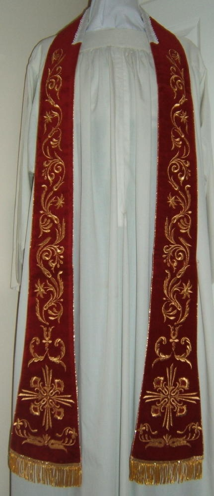 Luzar Vestments – Red stole