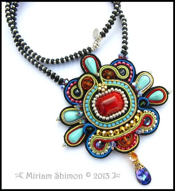 Soutcahe beaded necklace in Black, Red, Turquoise, Gold, Silver, Green, Pink and Purple