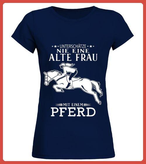 ALTE FRAU MIT EINEM PFERD (*Partner Link)