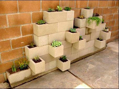 Jardinera con ladrillos (Bioguia)
