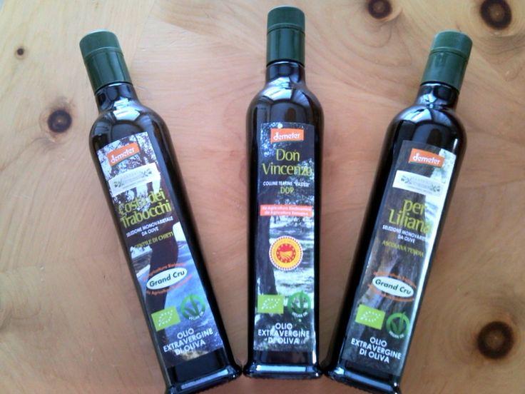 Jede Flasche Olivenöl extra vergine ist nummeriert und kommt mit Verriegelung Anti-Fälschung, um die gesamte Kette von nativem Olivenöl extra zu schützen und machen es noch einen sicheren Konsum dieser wertvollen Produkt, wodurch der Inhalt der Flasche vor Fälschung