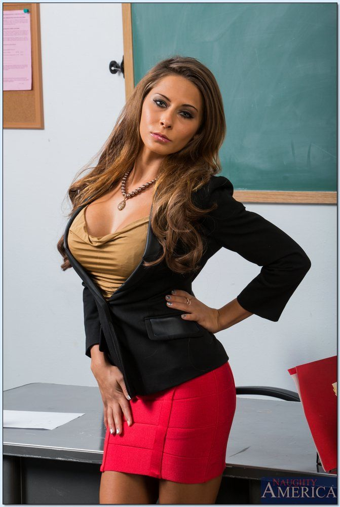 Bad teacher milf julia ann shows you pov naughty pussy rubs 1