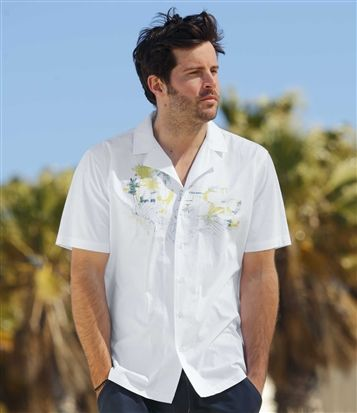 Chemise Waimea Bay : http://www.atlasformen.fr/products/vetements/chemise/chemise-waimea-bay/15449.aspx