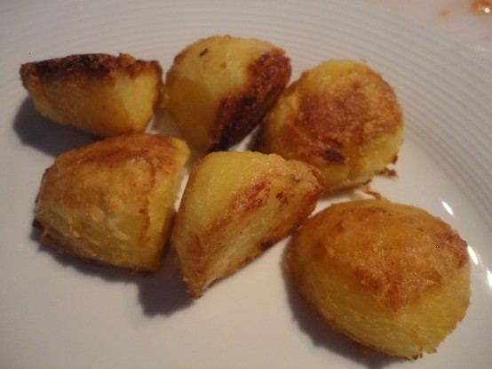 Roast Potatoes | Recipes, recipes, and more recipes! | Pinterest