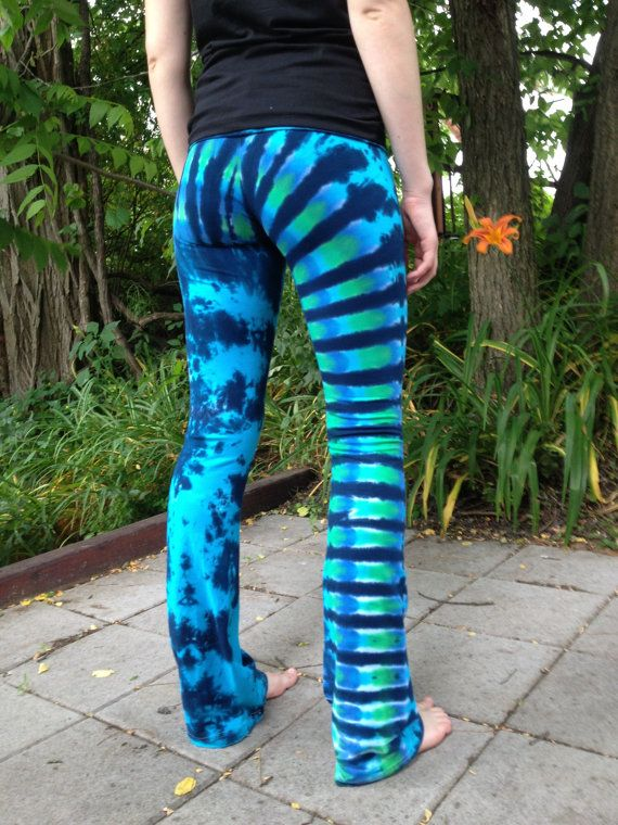 Punchy Rainbow Tie Dye Woman's Yoga Pant Groovy Blueberry