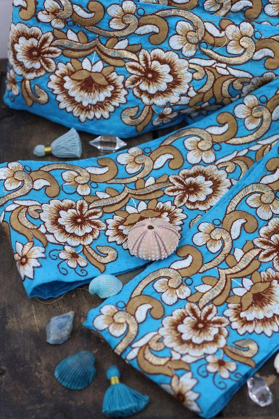 """Cerulean tuin: Aqua blauw en goud zijde Trim, lint, Sari grens, India 4 """"x 1 Yard, Winter, lente bloemen Craft, naaien levering"""