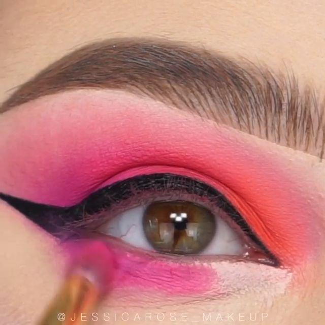 Awesome eye make-up tutorials for our girls! #eyemakeup #makeup #makeuptutorial …