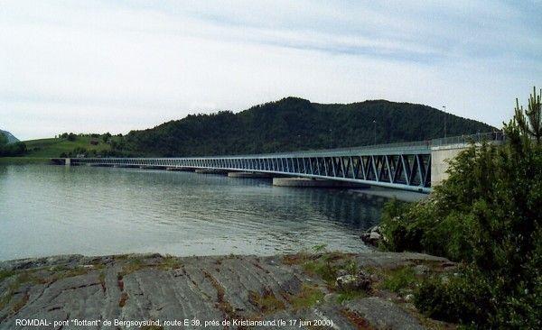 Pont de Bergøysund – (1992) DNV Veritec (tablier) Johs Holt AS (piles et culées) Kristiansund, Møre og Romsdal, Norvège