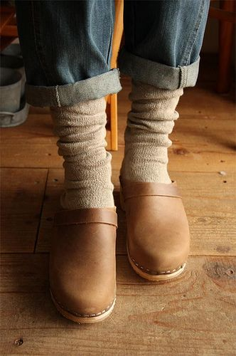 clogs Moheda Toffeln by Clogs Brazil, via Flickr