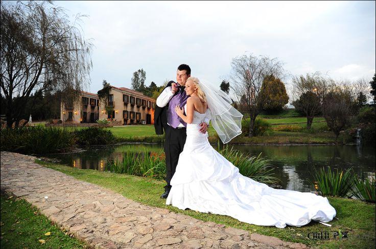 ChilliPix Couple Sessions @ Avianto. Wedding Photography. Fun Wedding Photography Ideas. Avianto Photographer. Avianto Wedding Venue. Best Wedding Photographer. Creative Wedding Photo Ideas.