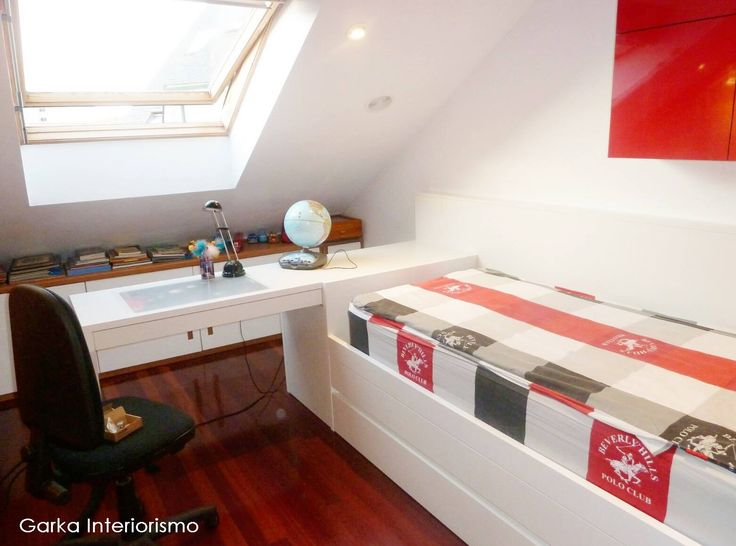 #ProyectosGarka para un fantástico #jueves! ❤ Os mostramos una habitación juvenil en tonos rojo y blanco, donde nos hemos enamorado de este formato de escritorio! 