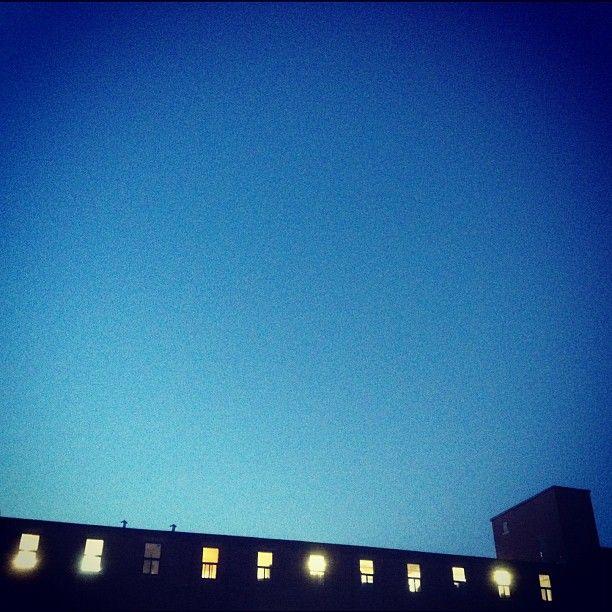 Montréal crépuscule #montreal #bleu