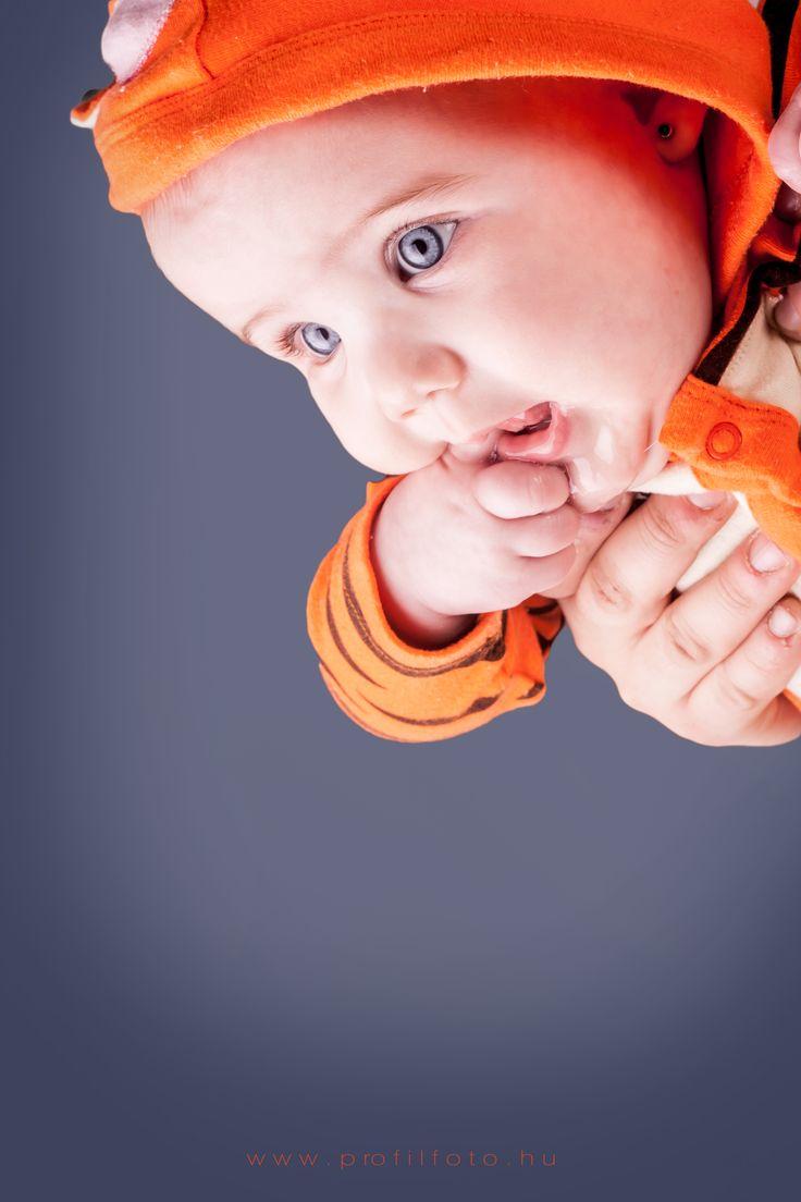www.profilfoto.hu  photo by Krisztina Mate #baby #blueeyes #winniethepooh #tigger #tiggercostume