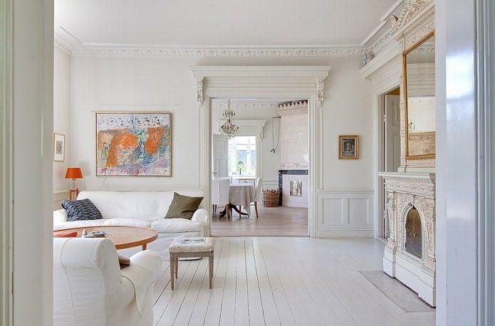 белый пол в дизайне комнаты