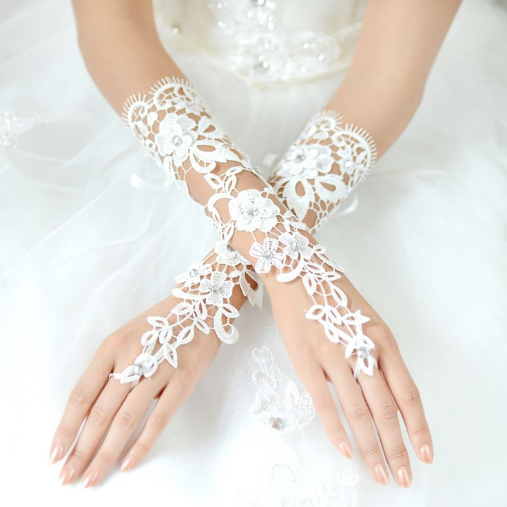 de elegante bruid trouwjurk handschoenen luxe diamant knipsel kant ivoor handschoenen accessoires