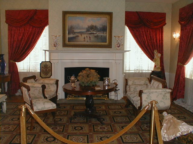 The family parlor at the Mary Todd Lincoln House in Lexington, KY