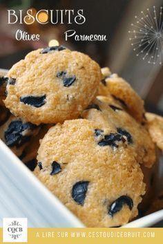 Recette de biscuits salés aux olives et au parmesan, parfait pour l'apéro de Noël #recette #apéro #noël #biscuits #christmas