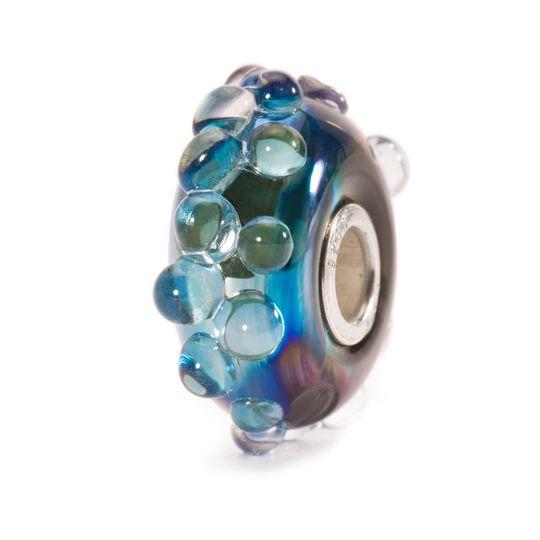 Oceano di Luna 2016 €46  Lentamente gira questo beads e sembrerà come se prendesse vita nella tua mano. Come un chiaro di luna d'argento che balla sull'oceano scuro.