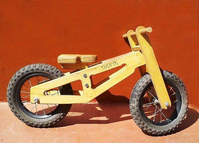 Farolera y Tropezón. Juguetes @faroleraytropezon Bici de aprendiza...Instagram photo | Websta (Webstagram)