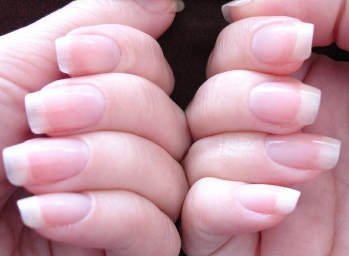 São várias as sugestões para fortalecer as unhas que temos mostrado para vocês na página de unhas decoradas do portal MulherM. Hoje trazemos mais uma sugestão super simples e com resultados rápidos, apenas utilizando azeite. Se pretende que suas unhas cresçam ou simplesmente torná-las mais fortes, tudo o que necessita é de um pouco de …