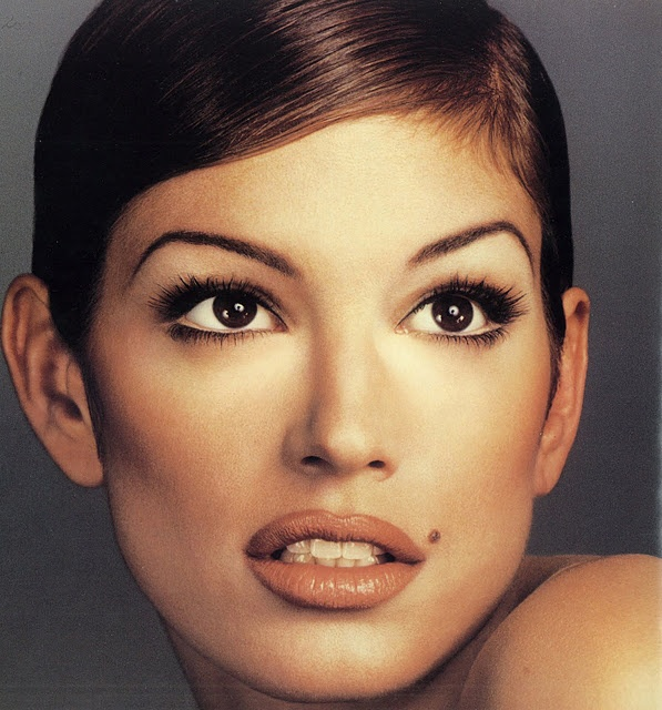 90s lips! love it! Cindy Crawford, 1995