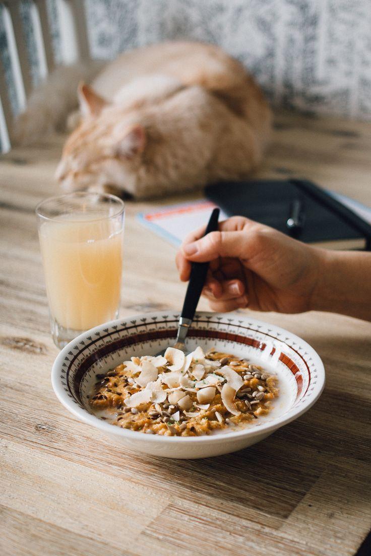 Havregrynsgröt är onekligen den ultimata frukosten eftersom det är både billigt och nyttigt. Men framför allt är havregryn ett hållbart frukostalternativ eftersom det kan odlas i Sverige. Ärligt talat